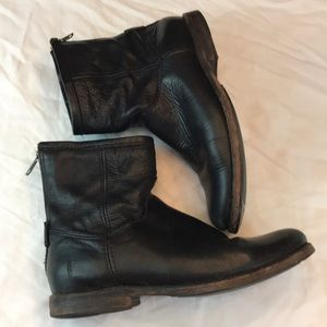Frye sz7.5 black leather booties